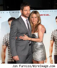 Gerard Butler and Jennifer Aniston at The Bounty Hunter London premiere