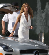 Rosie Huntington-Whiteley on the set of Transformers 3