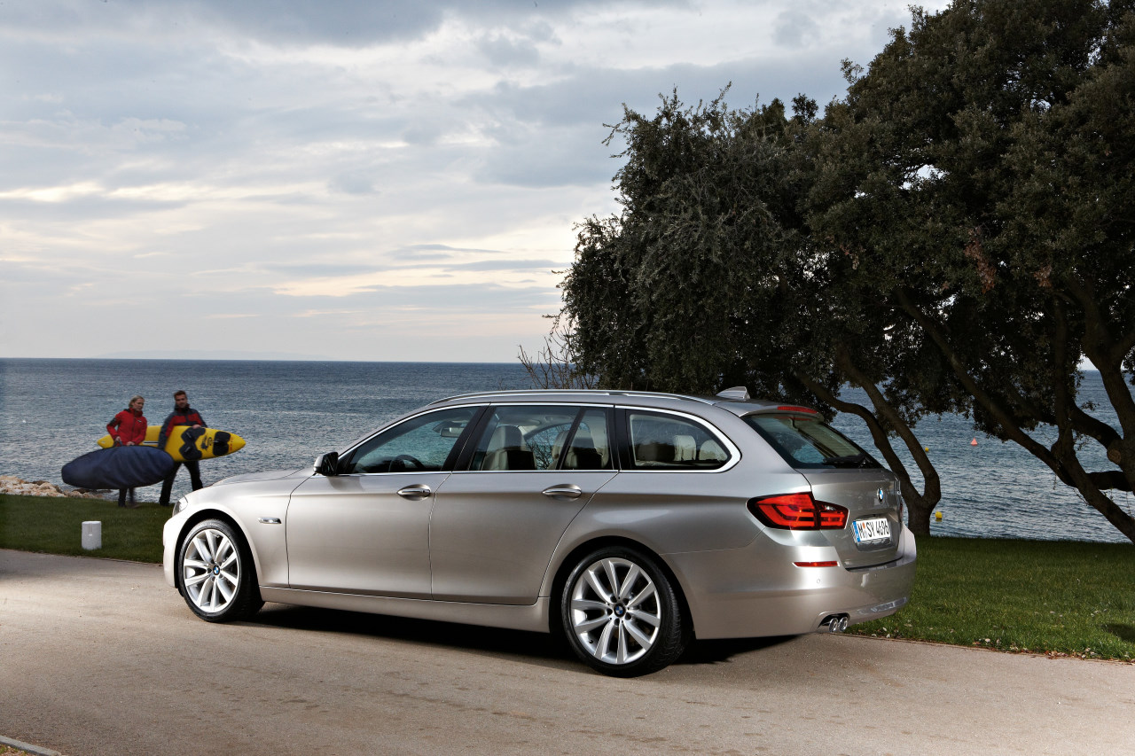 bmw serie 5 touring topic ufficiale 2010 bmw. Black Bedroom Furniture Sets. Home Design Ideas