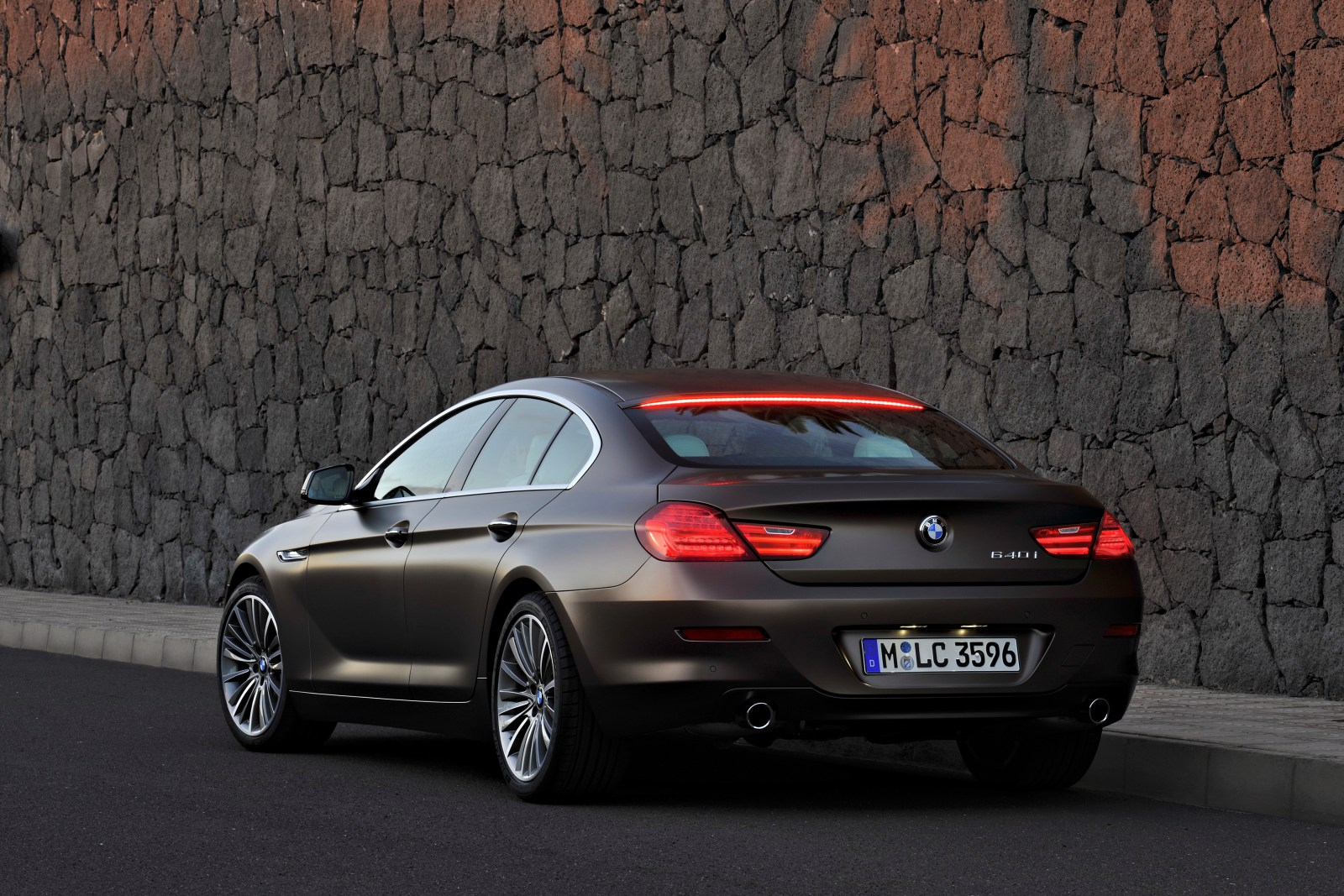 officieel bmw 6 gran coupe. Black Bedroom Furniture Sets. Home Design Ideas