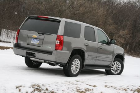The Tahoe And It S Gmc Yukon Twin Are First Light Duty Lications Of Gm Two Mode Hybrid System That Was Originally Developed For Transit Buses By