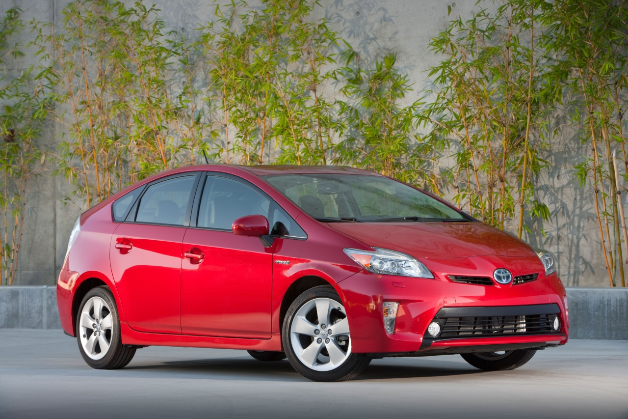 toyota prius now third most popular car in the world sort of autoblog. Black Bedroom Furniture Sets. Home Design Ideas