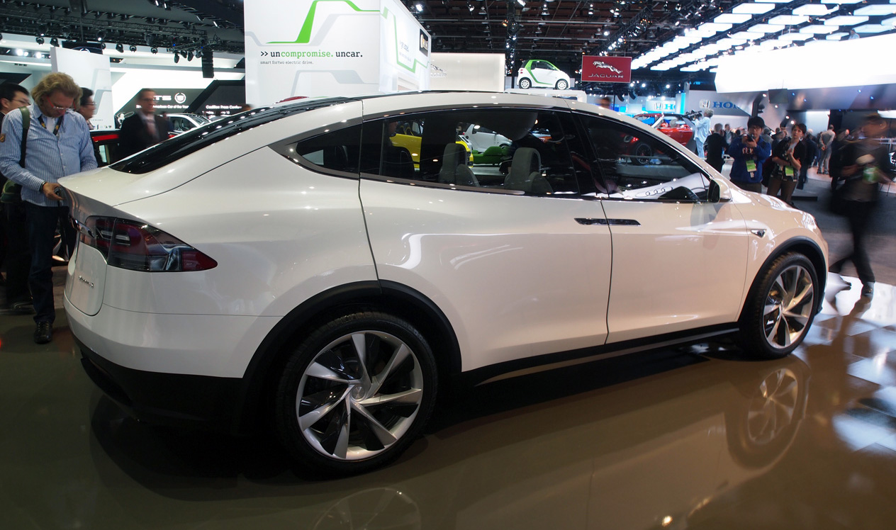 Pre Owned Tesla >> Tesla Model X reservations 20,000 strong and counting ...