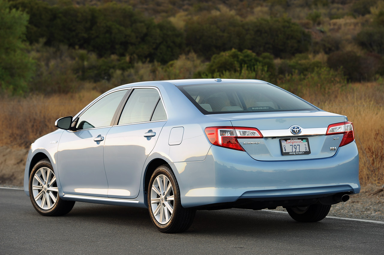 2013 Toyota Camry Hybrid Review Photos 関連フォトギャラリー