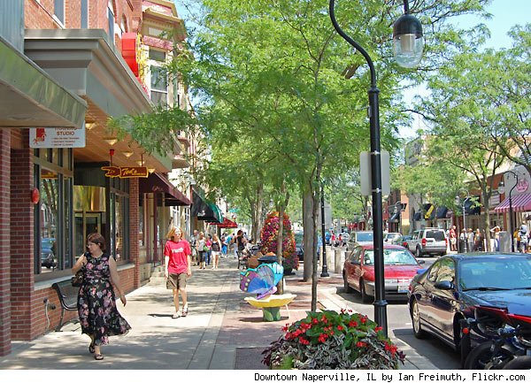 Downtown Naperville, IL by Ian Freimuth, Flickr.com
