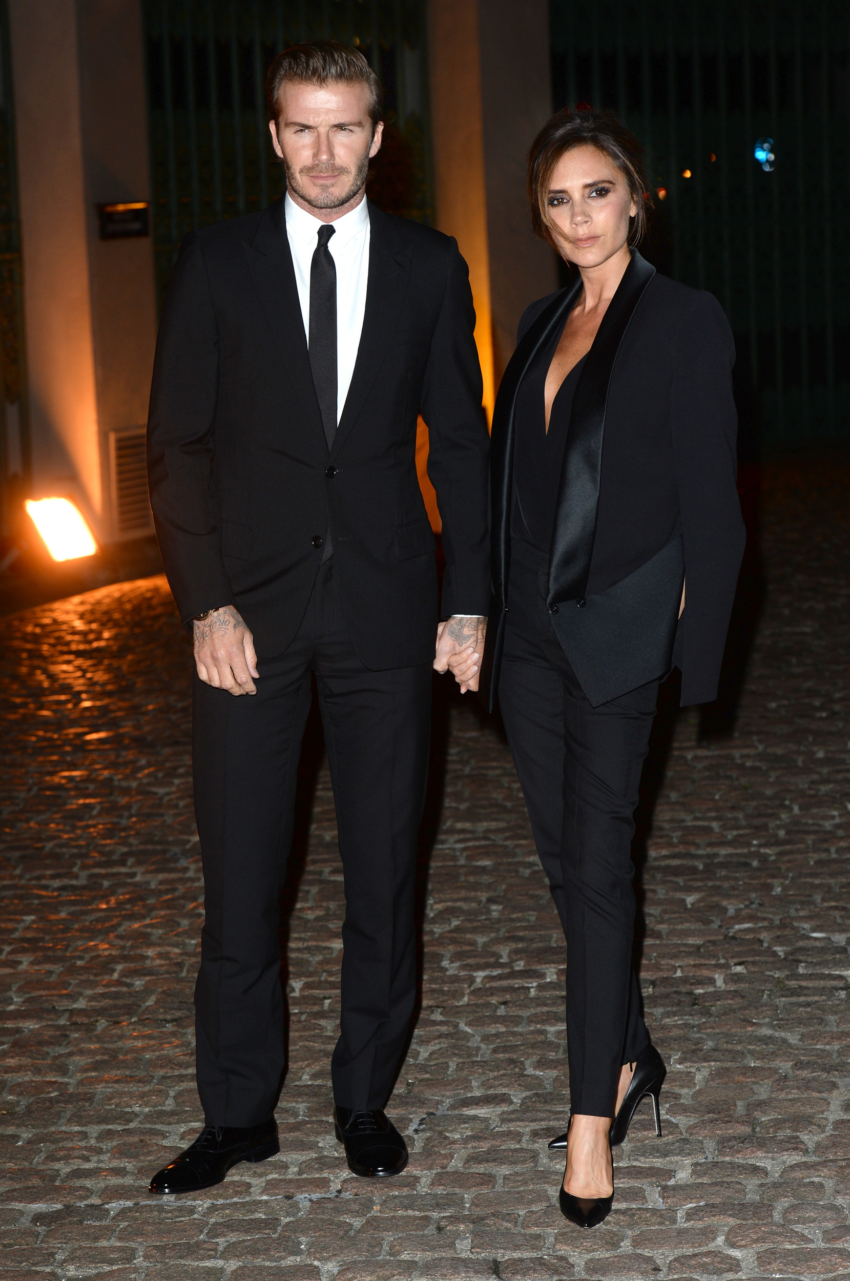 Victoria Beckham is not impressed with David's beard ...
