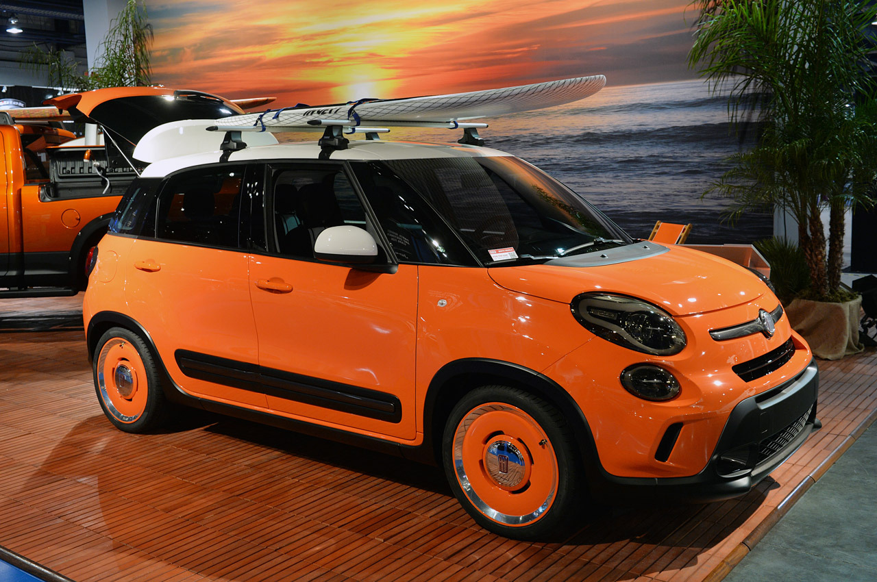 what is it with all the orange on the 500l this year at sema. Black Bedroom Furniture Sets. Home Design Ideas