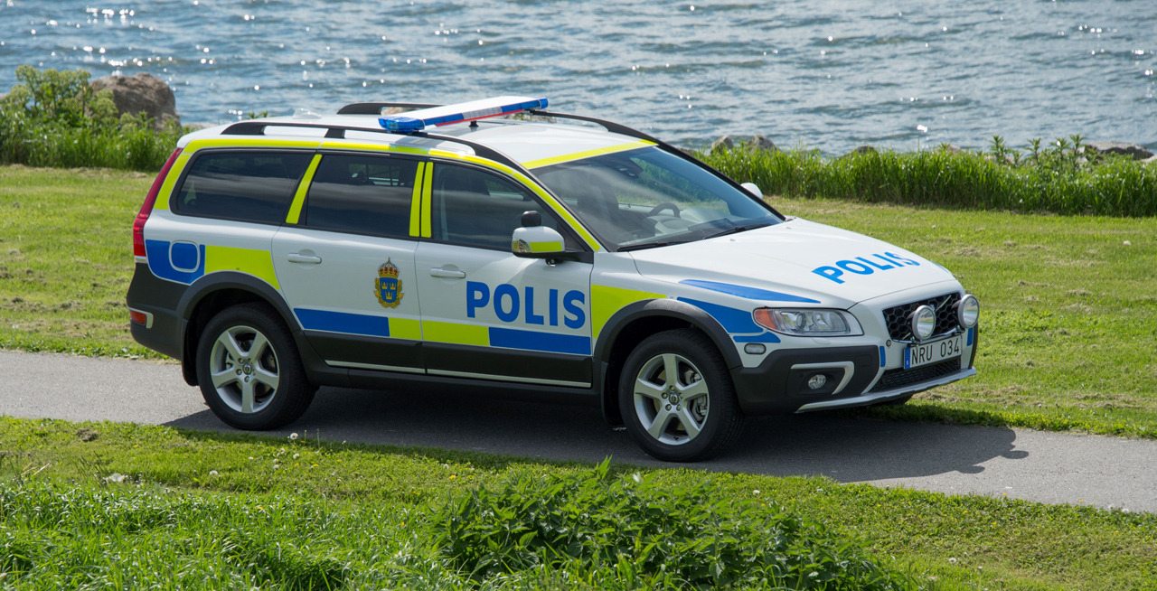 Volvo Certified Pre Owned >> 2014 Volvo XC70 Police Car Photo Gallery - Autoblog