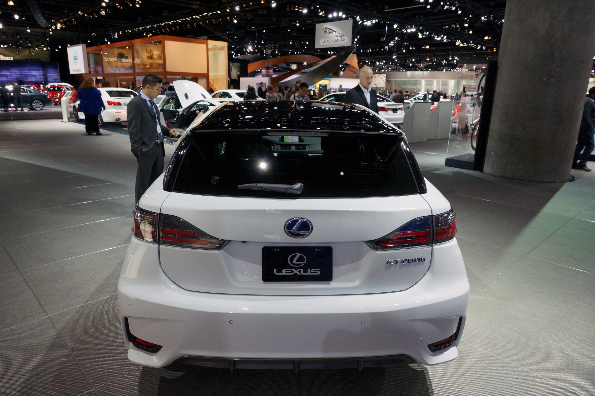 Toyota Dealers Ct >> 2014 Lexus CT shows new face on each side of the Pacific ...