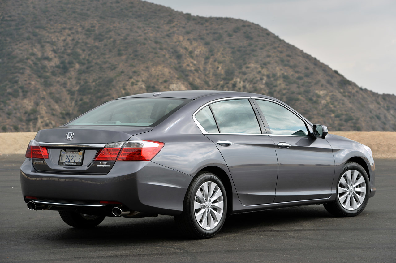 2014 honda accord v6 touring review photo gallery autoblog. Black Bedroom Furniture Sets. Home Design Ideas