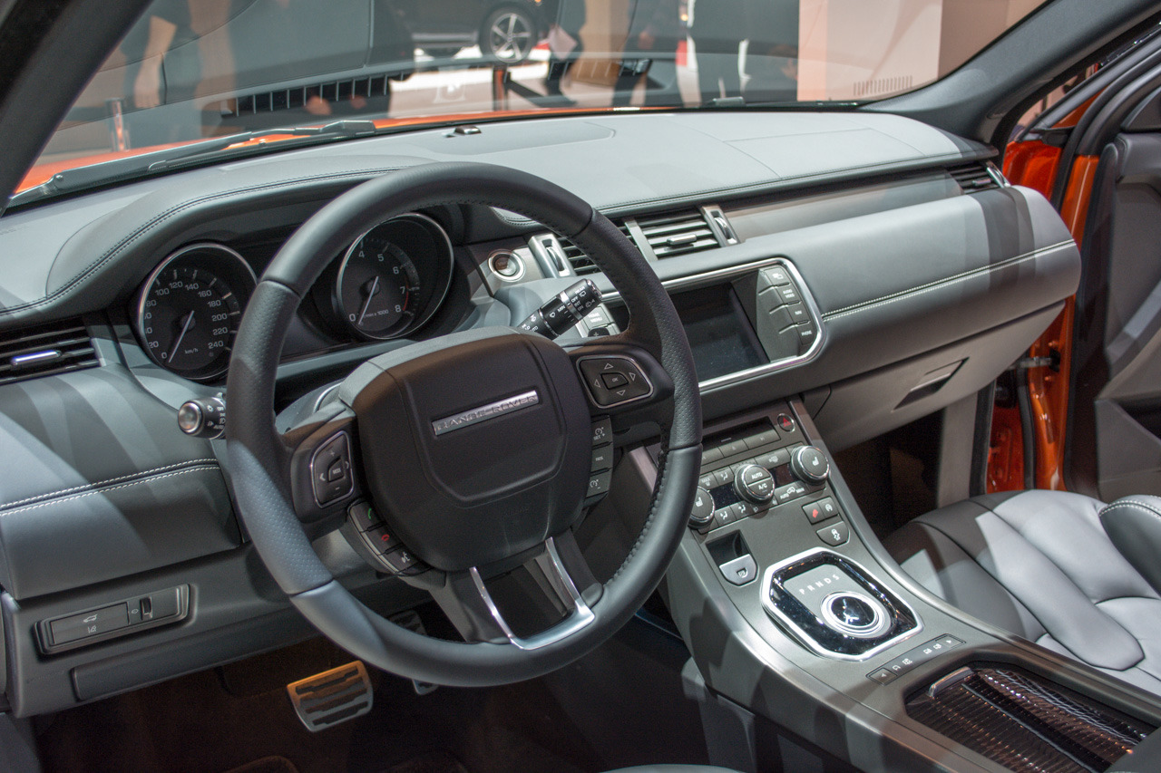 land rover range rover evoque autobiography dynamic geneva 2014 photo gallery autoblog. Black Bedroom Furniture Sets. Home Design Ideas