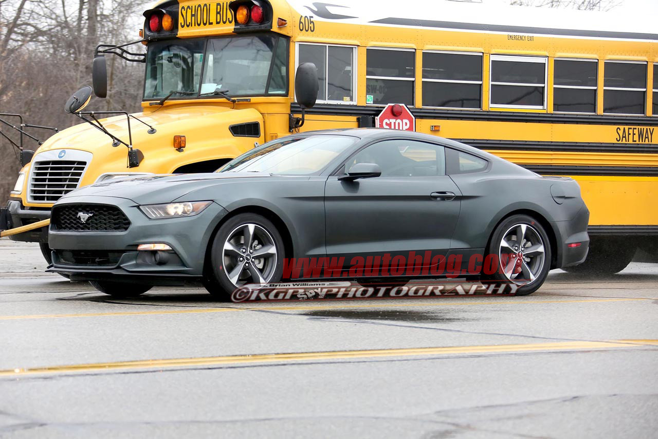 2015 ford mustang bullitt spy shots photo gallery autoblog. Black Bedroom Furniture Sets. Home Design Ideas