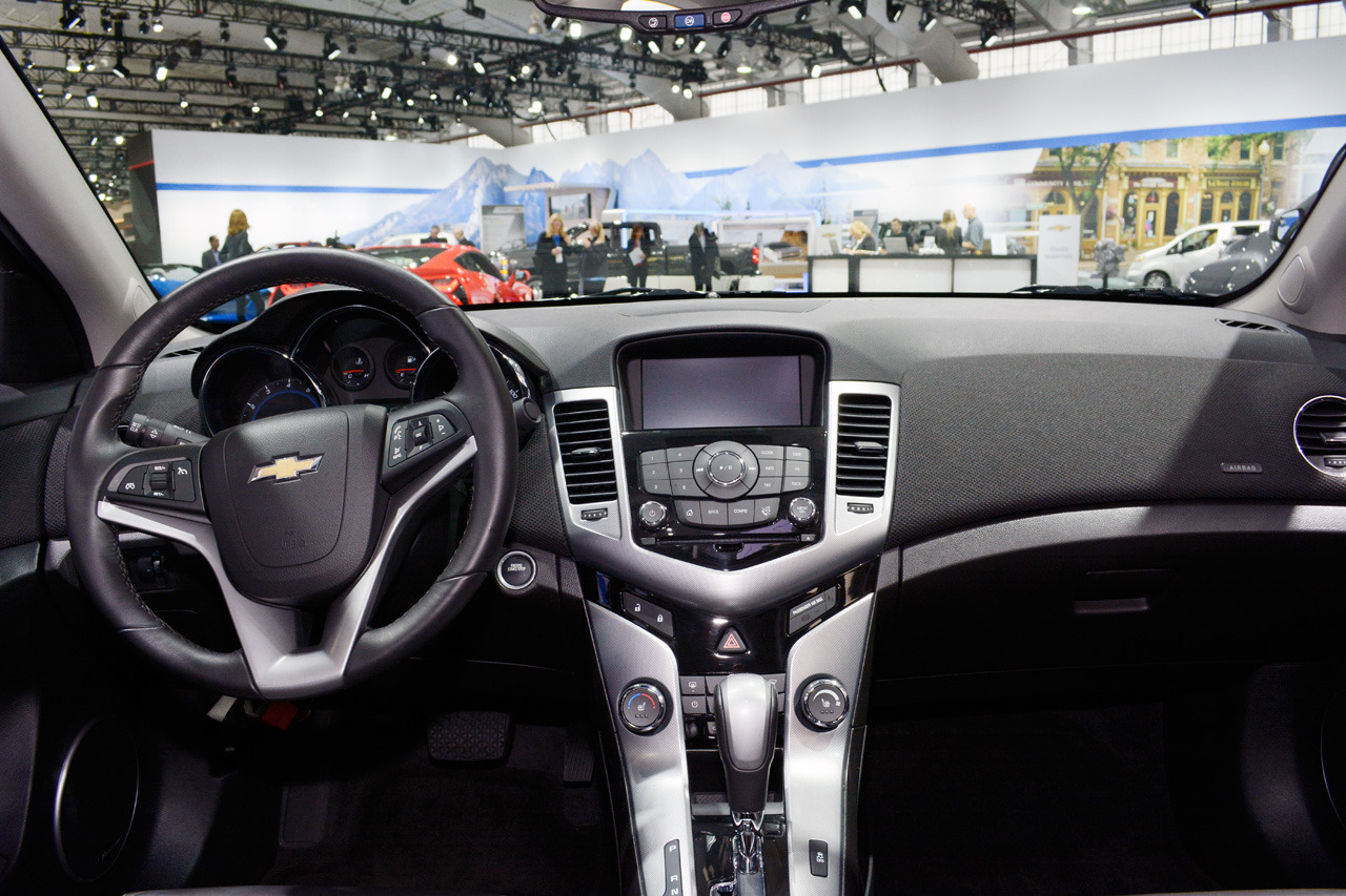 Cruze chevy cruze 2014 interior : 2015 Chevrolet Cruze LTZ: New York 2014 Photo Gallery - Autoblog