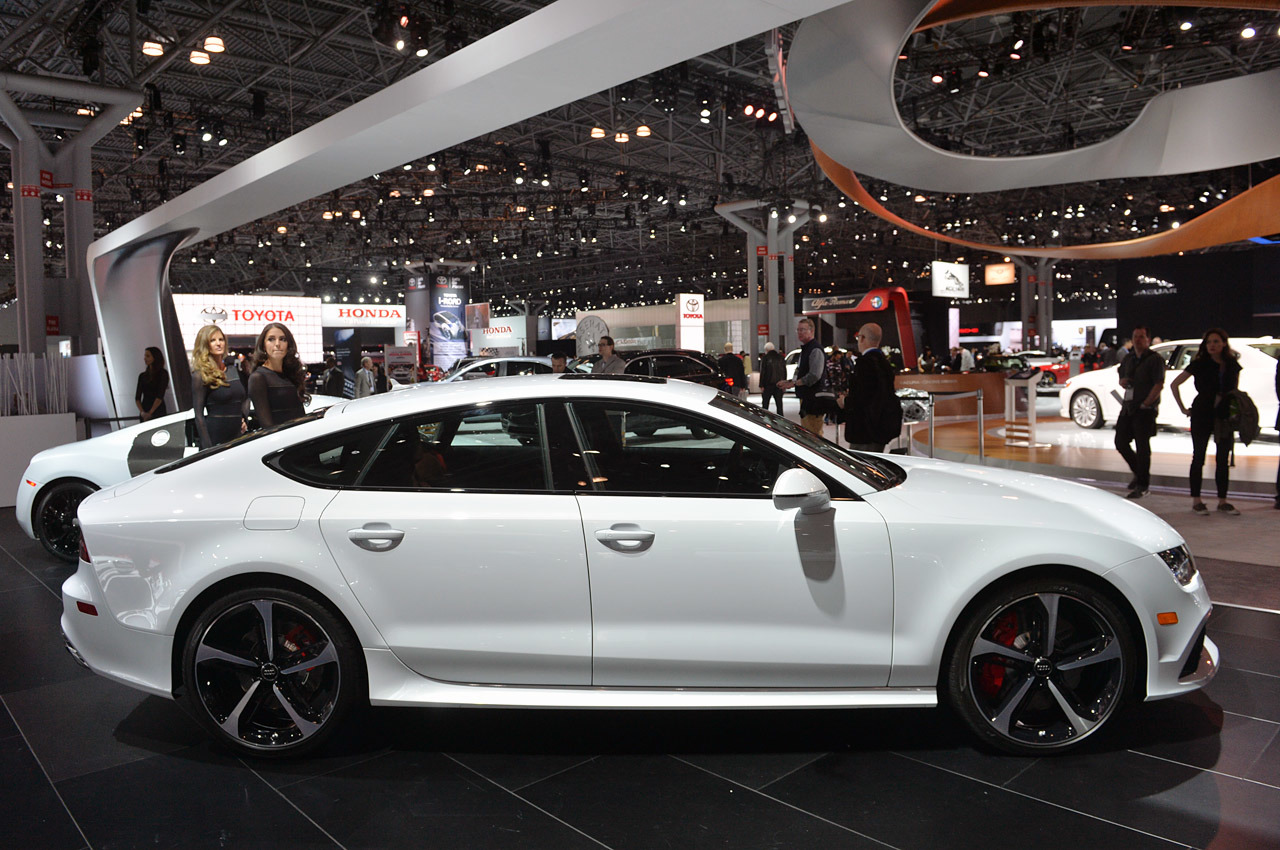 2015 audi rs7 dynamic edition new york 2014 photo gallery. Black Bedroom Furniture Sets. Home Design Ideas
