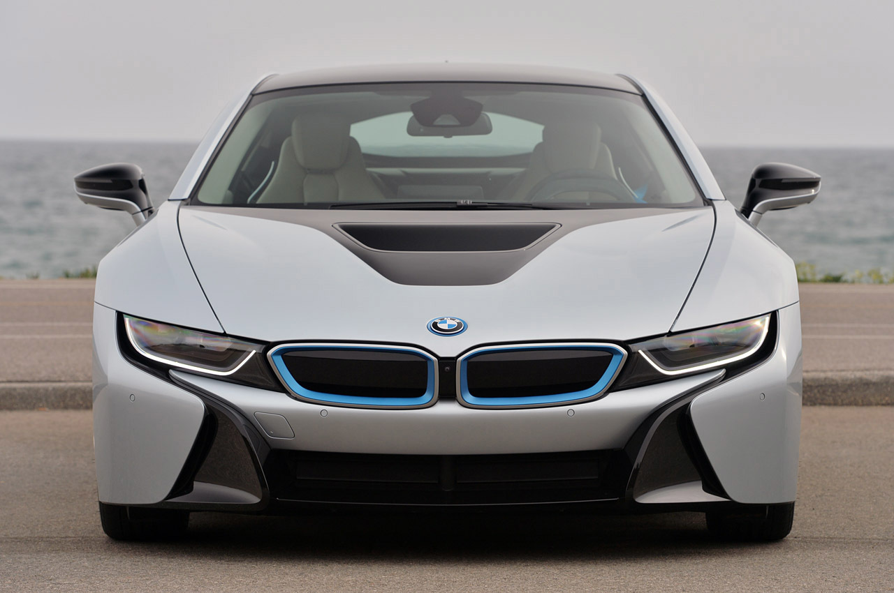 Front view of BMW i8