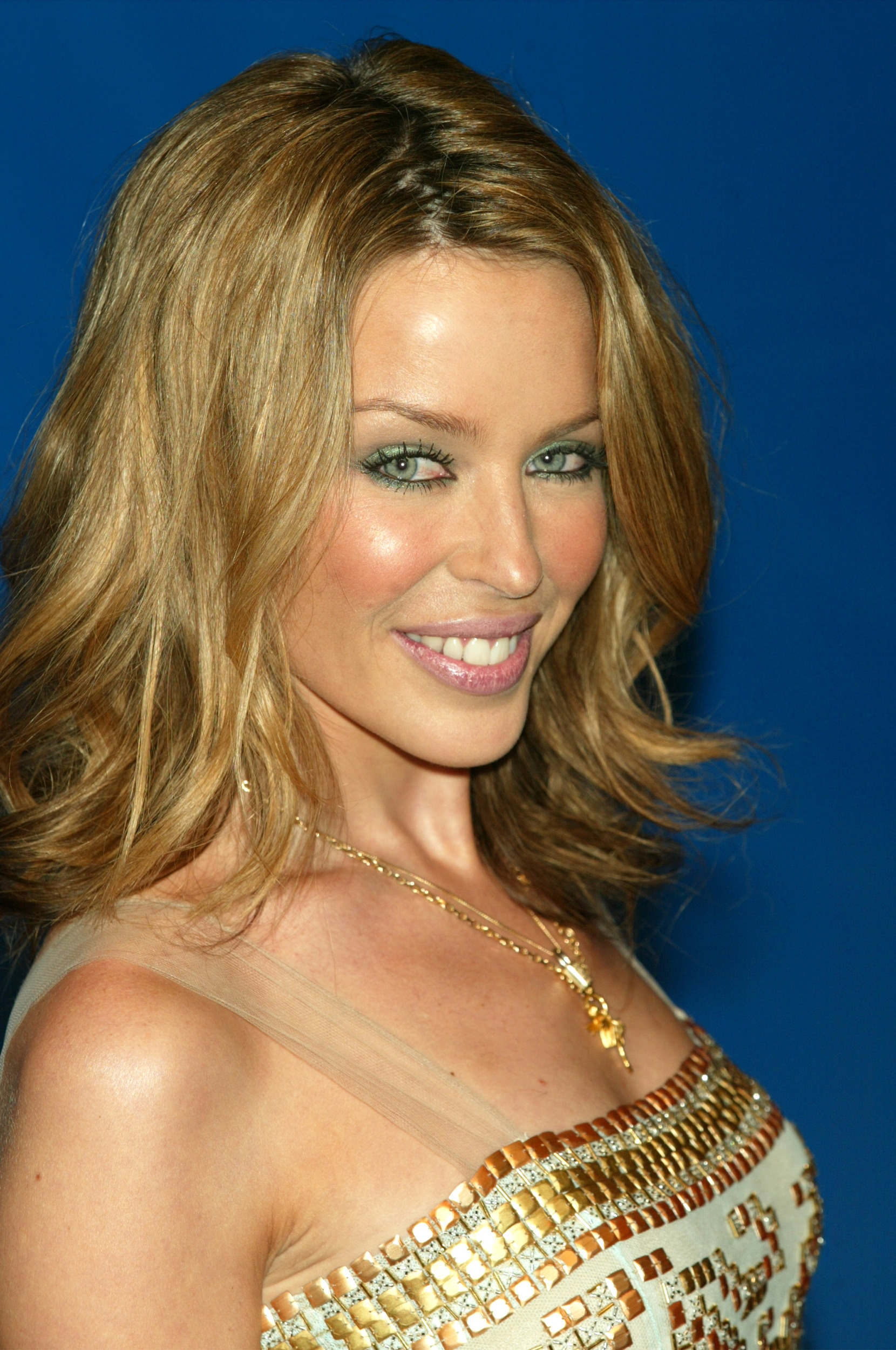 Kylie Minogue Gives Superfan Pricelesssurprises As She: Kylie Minogue: Beauty Evolution