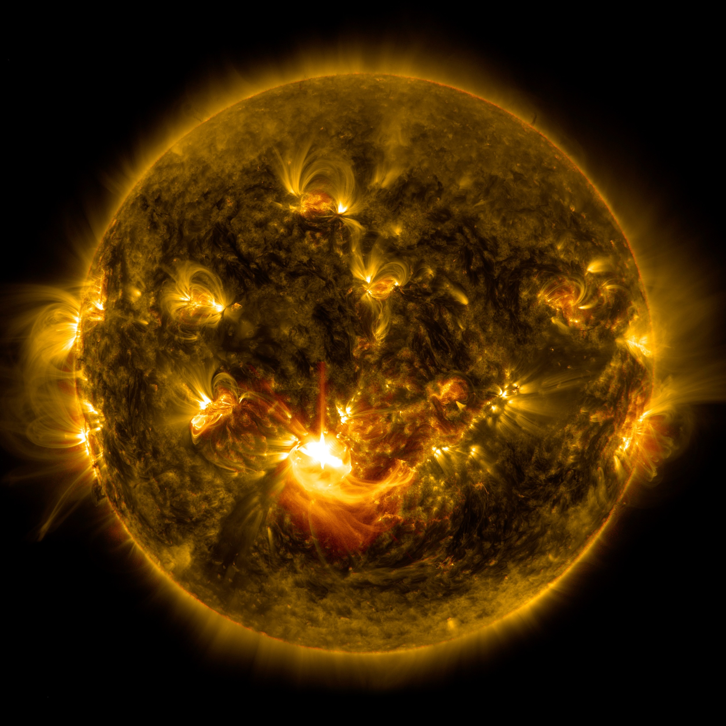 Scientists: 'Extreme' solar storm heading to Earth - AOL News