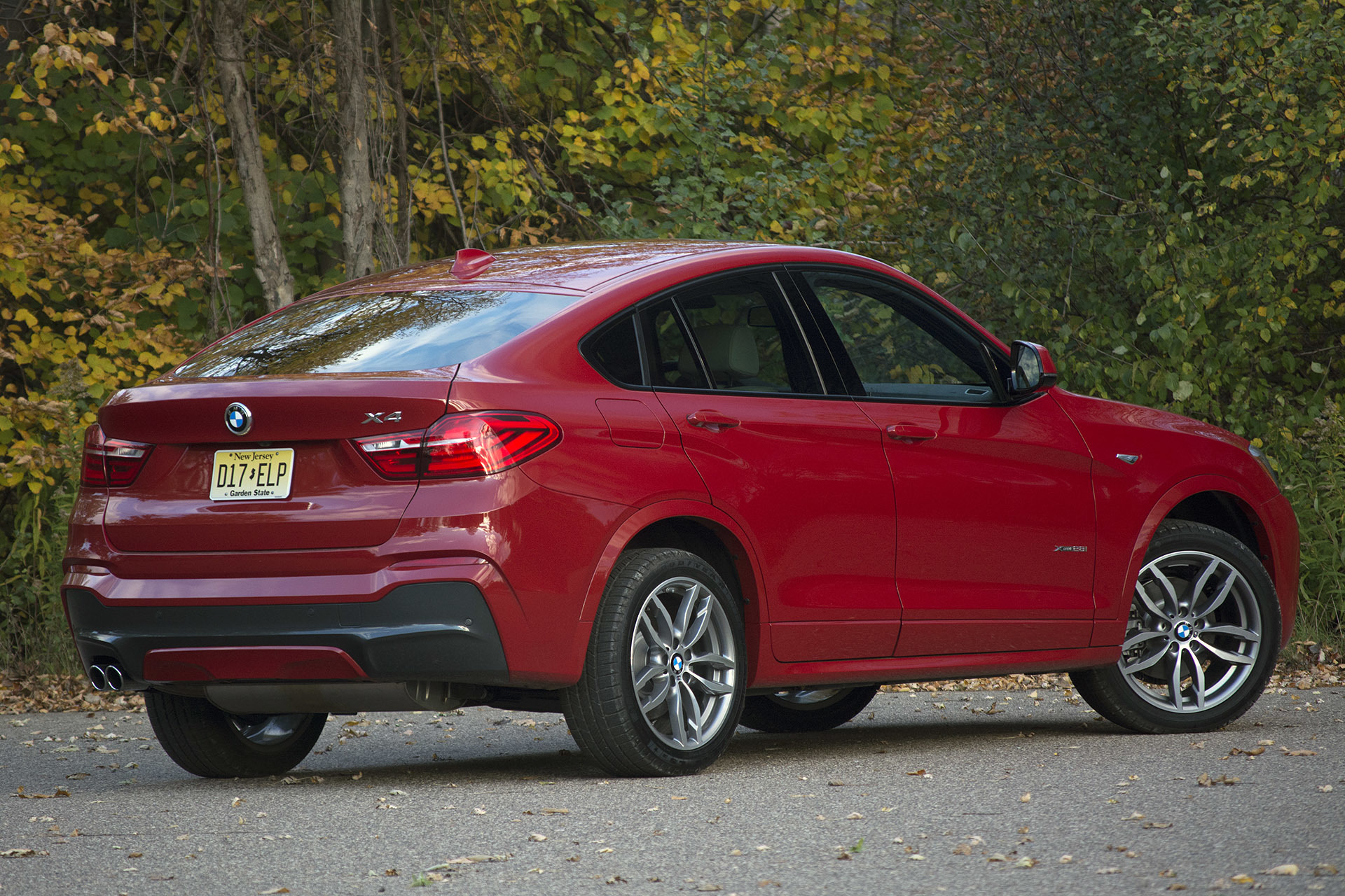 2015 bmw x4 review photo gallery autoblog. Black Bedroom Furniture Sets. Home Design Ideas
