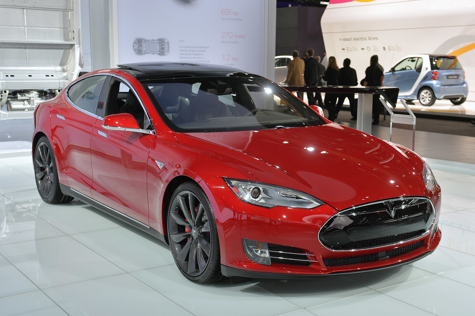 2015 tesla model s p85d detroit 2015 photo gallery autoblog. Black Bedroom Furniture Sets. Home Design Ideas