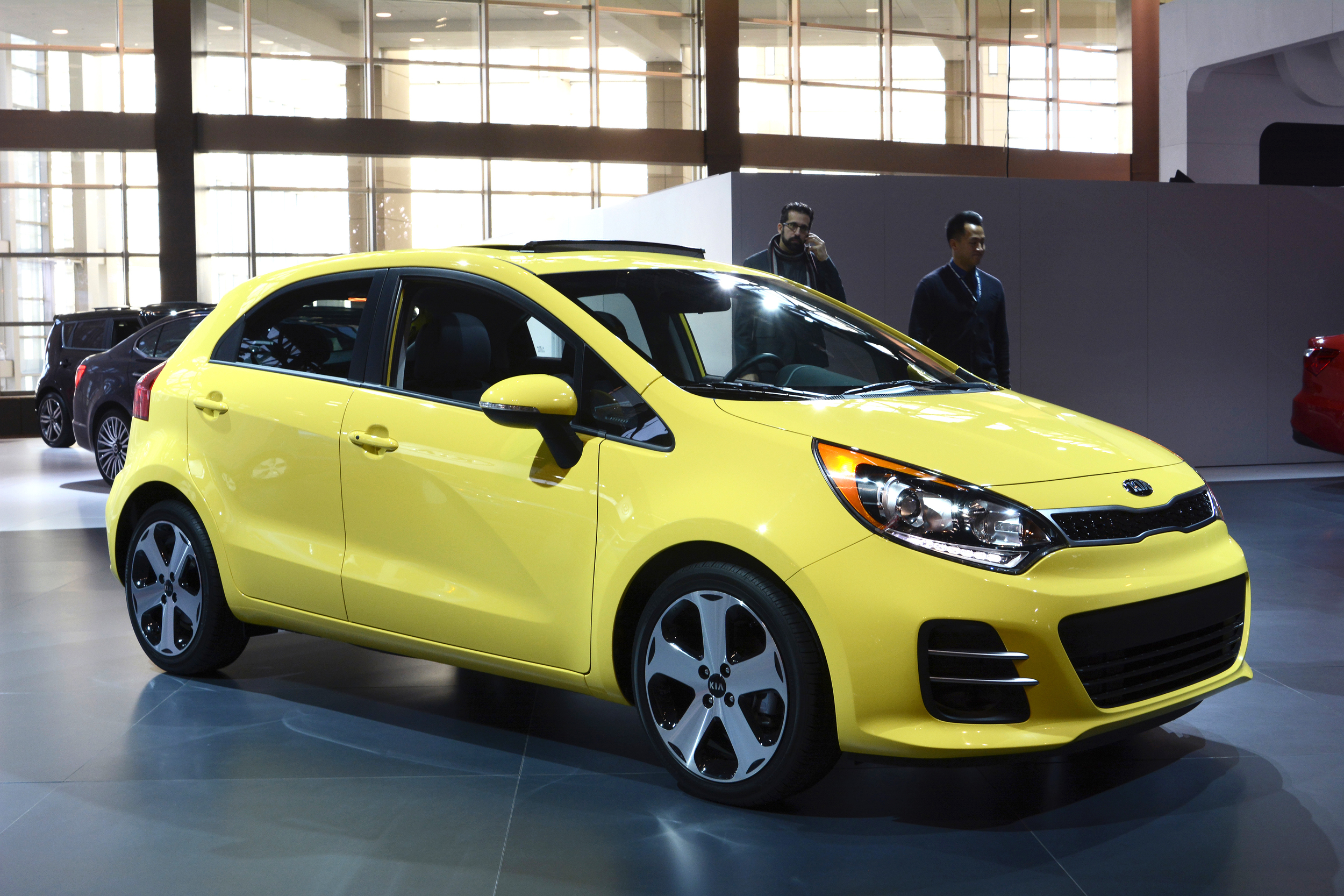 2016 kia rio chicago 2015 photo gallery autoblog. Black Bedroom Furniture Sets. Home Design Ideas