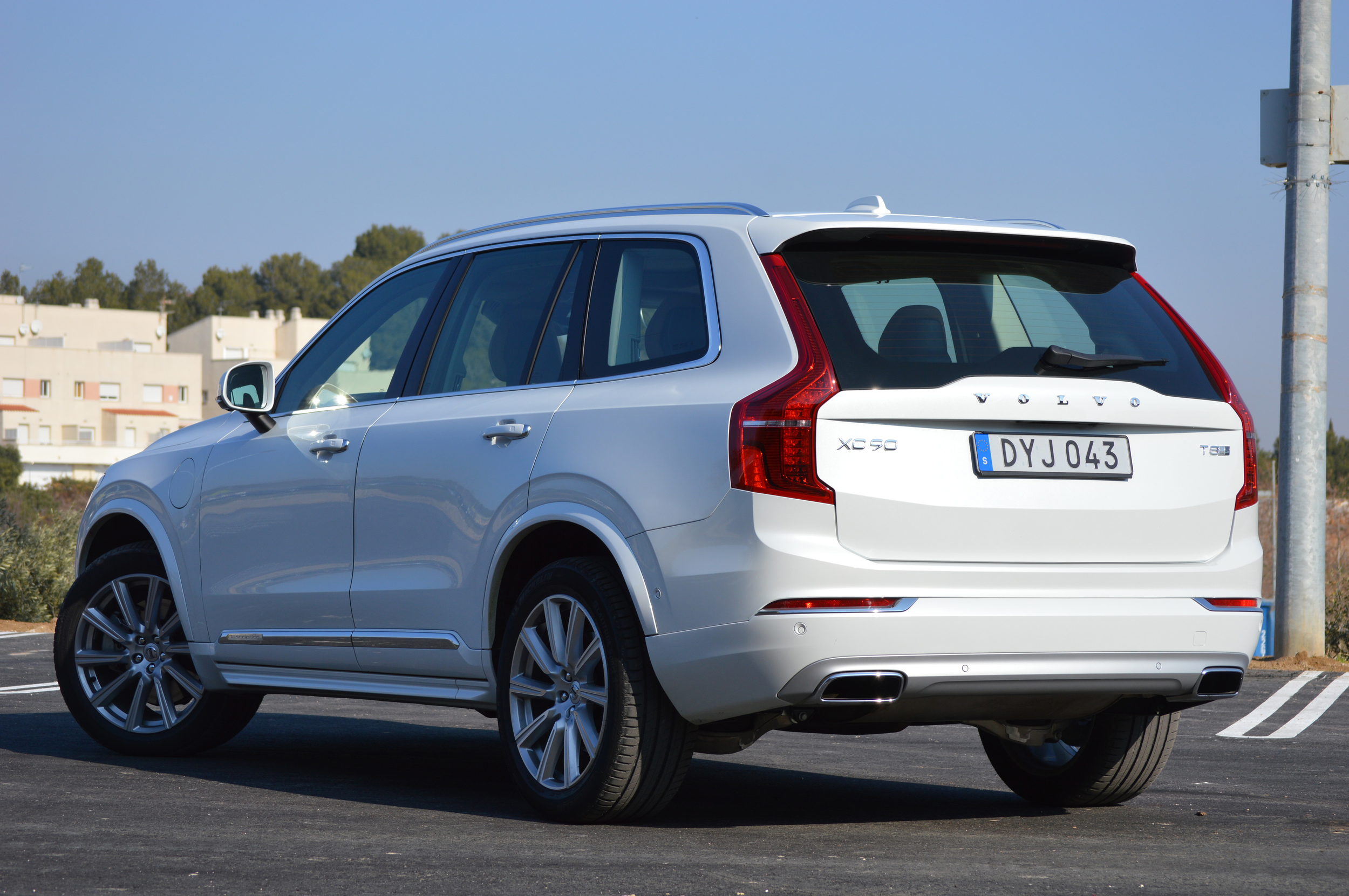 2016 volvo xc90 t8 quick spin photo gallery autoblog. Black Bedroom Furniture Sets. Home Design Ideas