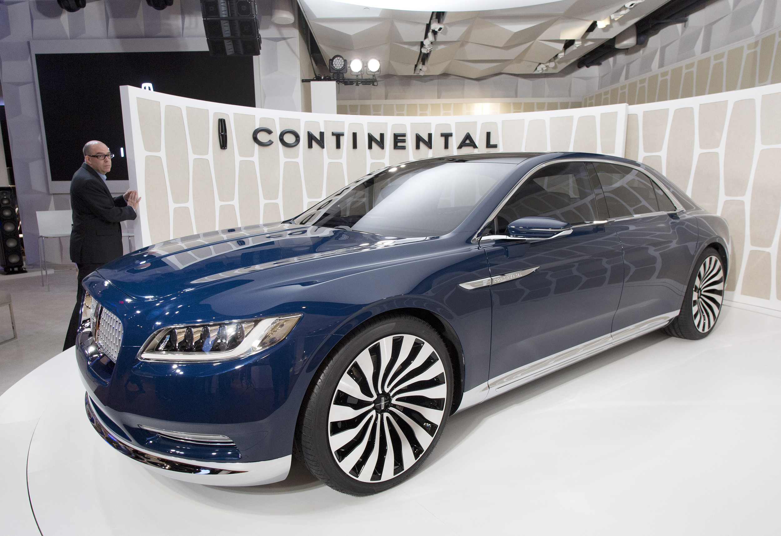 A Visual Trip Through Lincoln Continental History