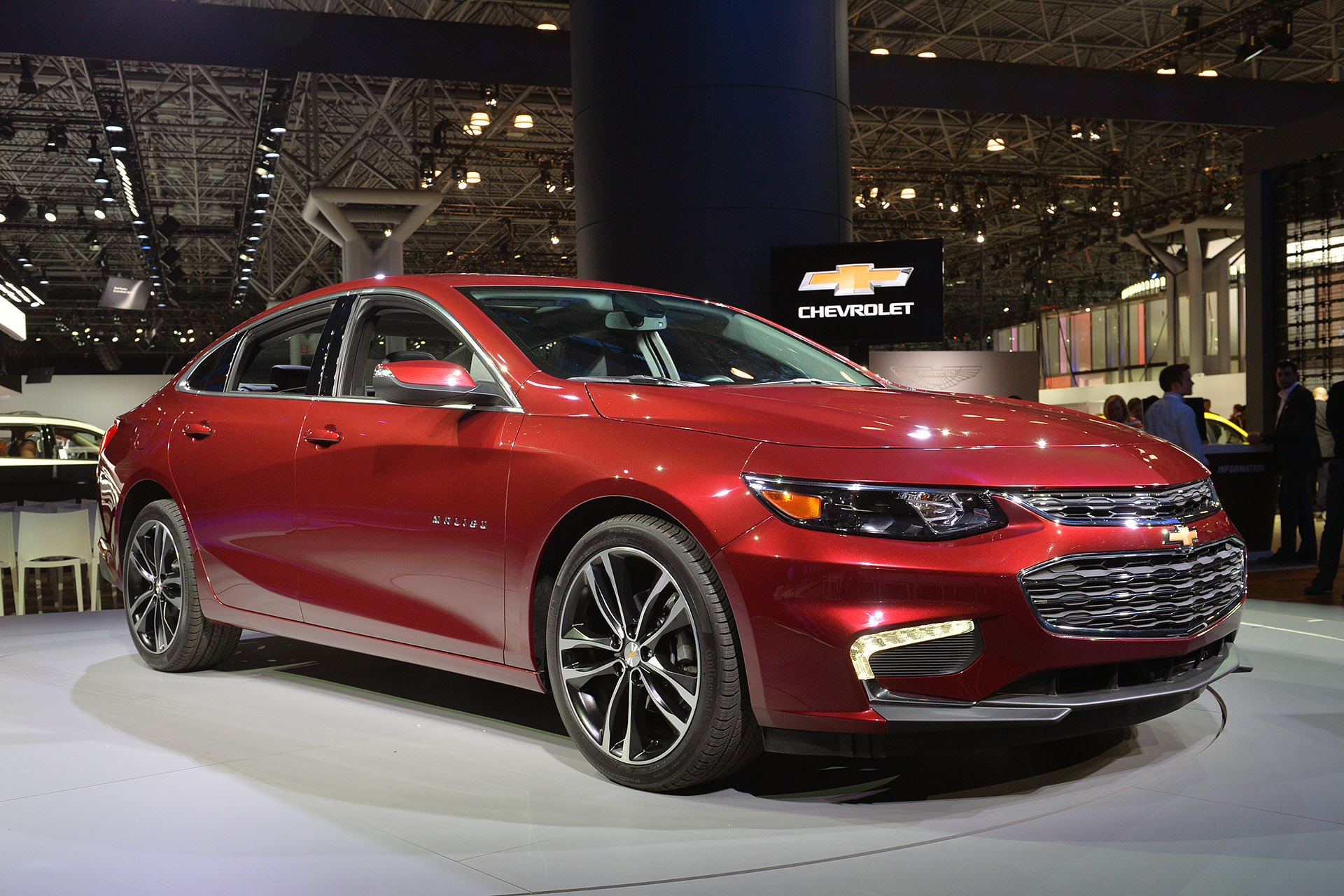 2016 Chevy Malibu Hybrid, now with 48 mpg city | Autoblog