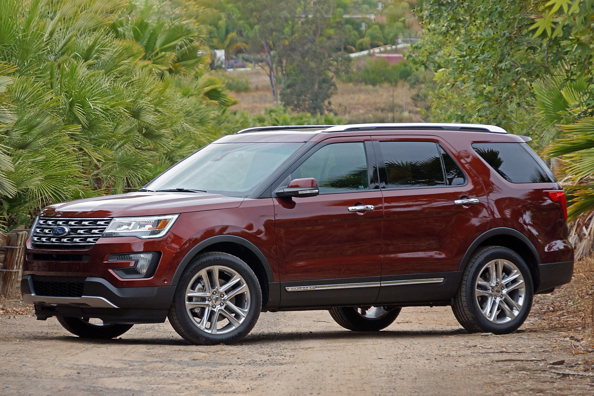 2016 Ford Explorer Towing Capacity >> 2016 Ford Explorer First Drive W Video Autoblog
