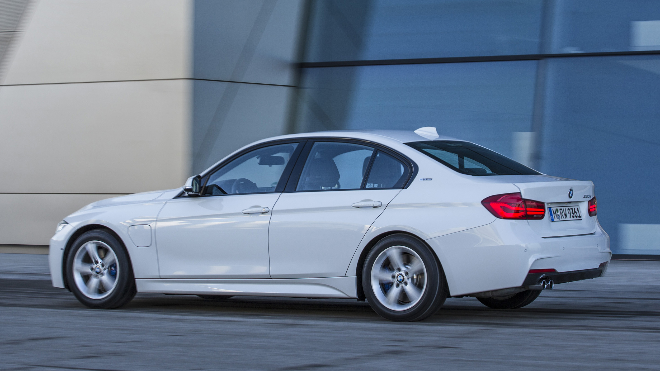 BMW Certified Pre Owned >> 2016 BMW 330e Plug-In Hybrid First Drive | Autoblog