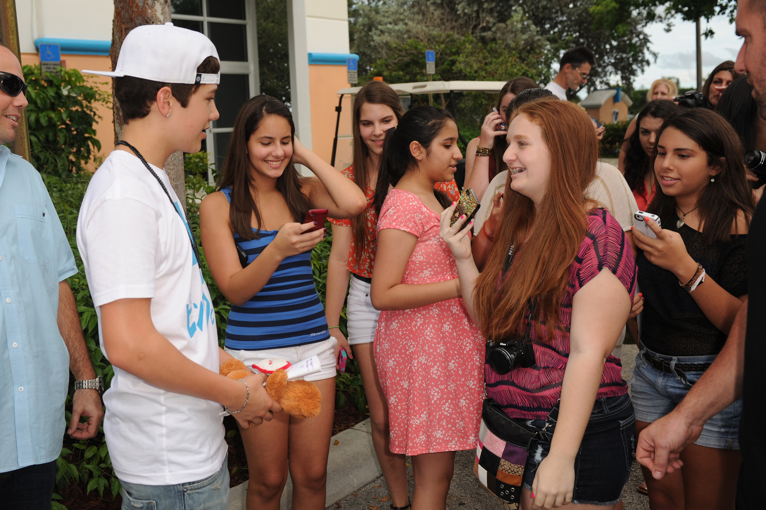 Who was austin dating
