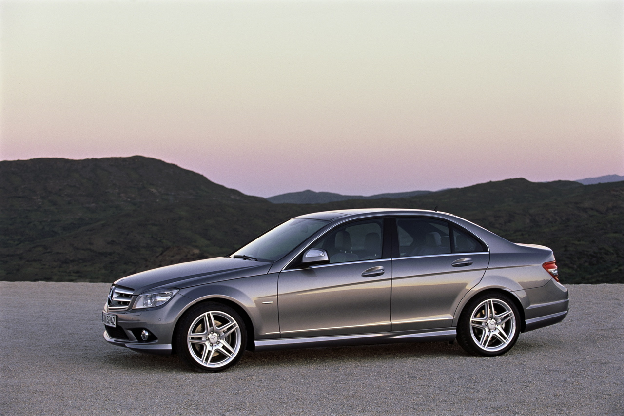 mercedes benz c class photo gallery autoblog. Black Bedroom Furniture Sets. Home Design Ideas