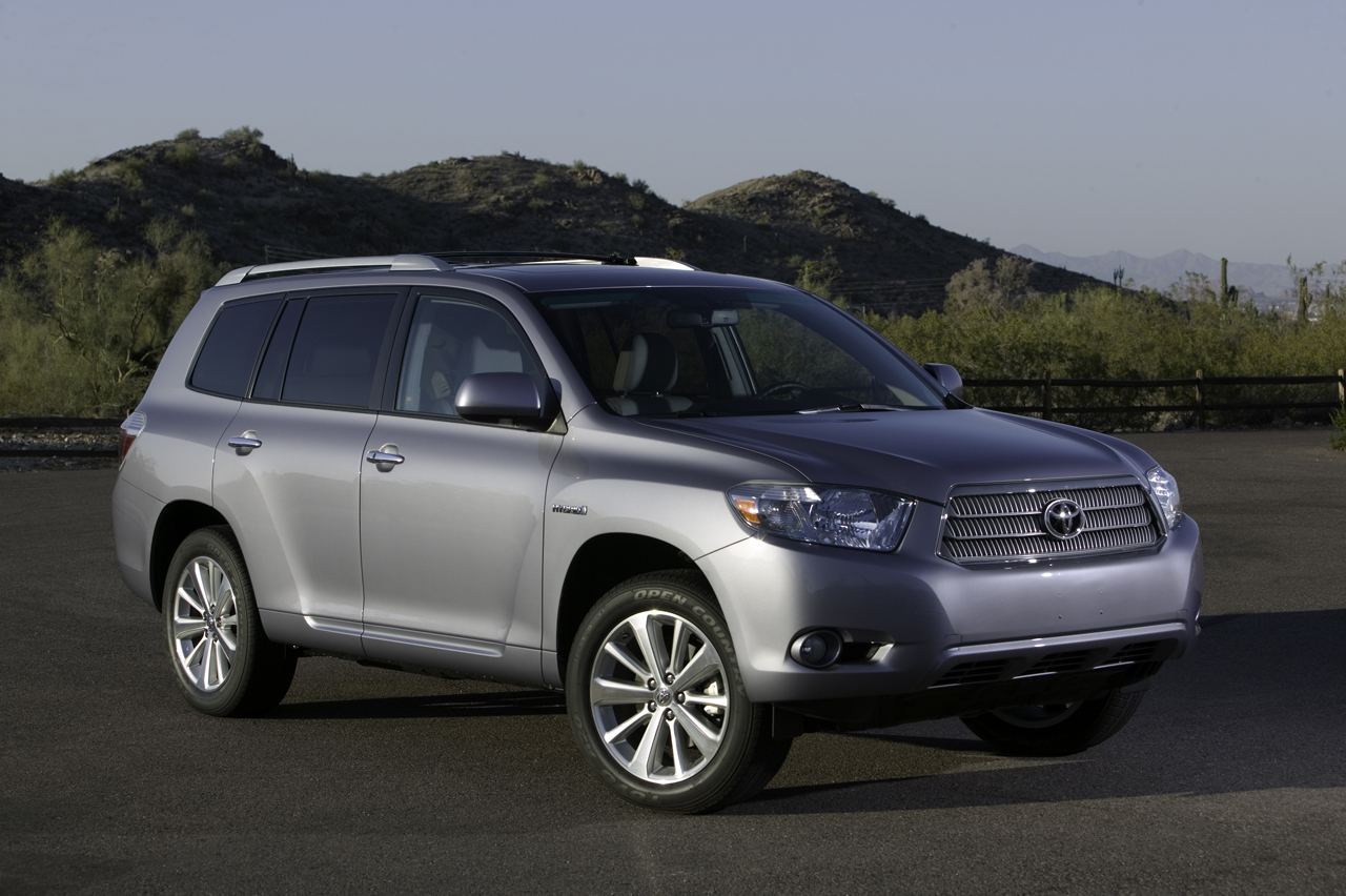 2013 Toyota Highlander For Sale >> Toyota and Lexus recalling 235,000 hybrid CUVs and sedans over separate issues | Autoblog