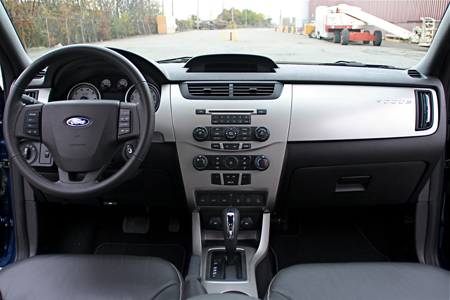 review 2008 ford focus ses coupe autoblog. Black Bedroom Furniture Sets. Home Design Ideas