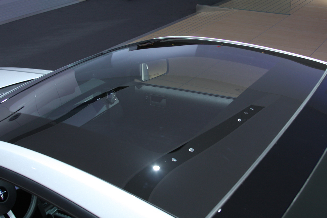Detroit 2008: Glass Roof Mustang - Live Photo Gallery ...