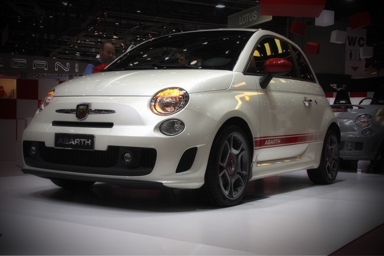 fiat 500 abarth drive by passion. Black Bedroom Furniture Sets. Home Design Ideas
