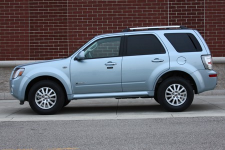 After One Week In The Autoblog Garage We Re Confident That 2009 Mercury Mariner Hybrid Is A More Competent Refined And Ful Vehicle