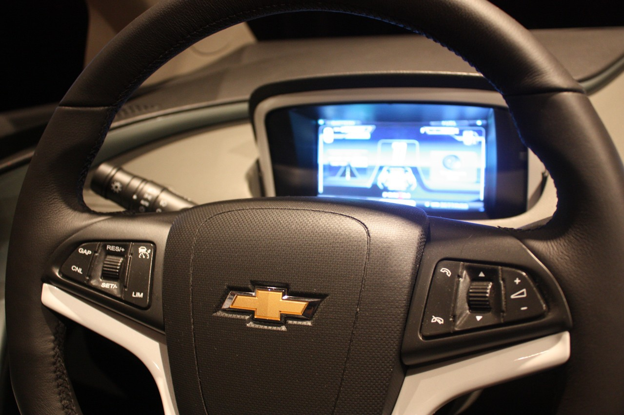 Volvo Certified Pre-Owned >> 2011 Chevy Volt - Interior Photo Gallery - Autoblog