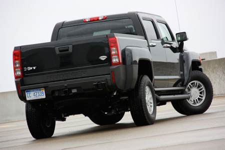 Like The Standard H3 Suv H3t Is Built On Same Platform As Chevy Colorado Pickup And Gmc Canyon Its Claim To Fame A Five Foot Bed Out Back