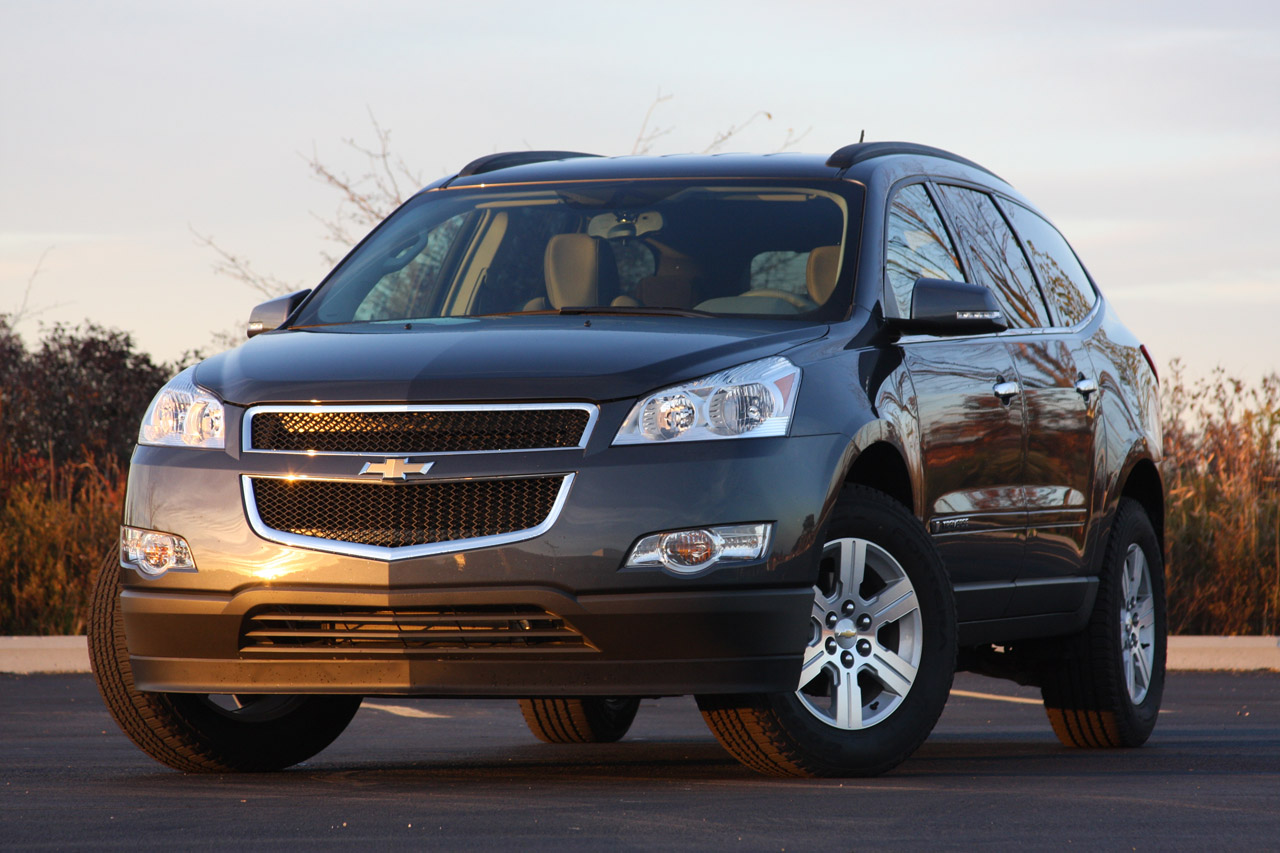 Review: 2009 Chevy Traverse LT Photo Gallery - Autoblog