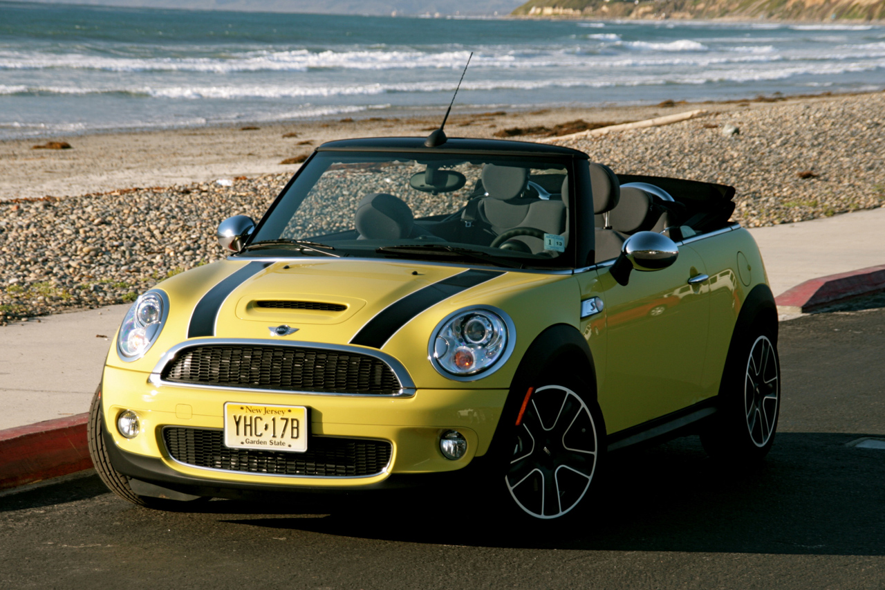 first drive 2009 mini cooper s convertible photo gallery autoblog. Black Bedroom Furniture Sets. Home Design Ideas