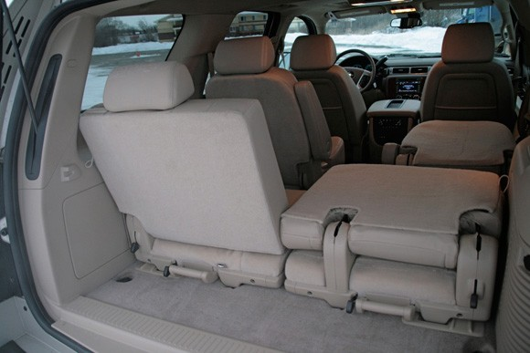 review 2009 chevy tahoe ltz 6 2l 4x4 autoblog. Black Bedroom Furniture Sets. Home Design Ideas