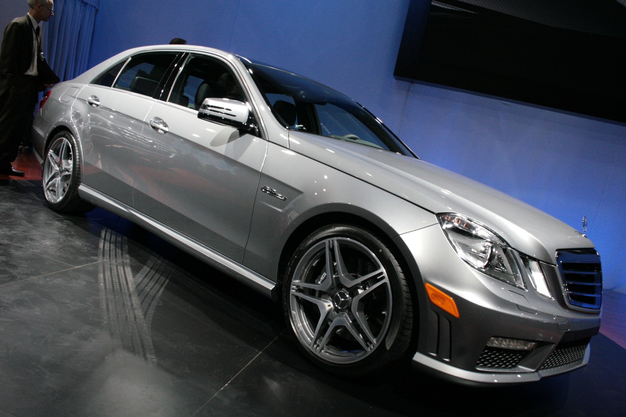 new york 2010 mercedes benz e63 amg photo gallery autoblog. Black Bedroom Furniture Sets. Home Design Ideas