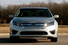 review  ford fusion se mt proves