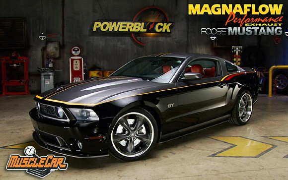 Fabuleux Chip Foose builds a custom 2010 Ford Mustang that you can win  KX25