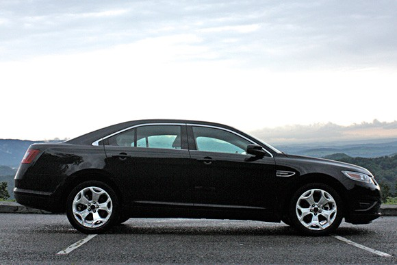 First Drive: 2010 Ford Taurus - The once and future king