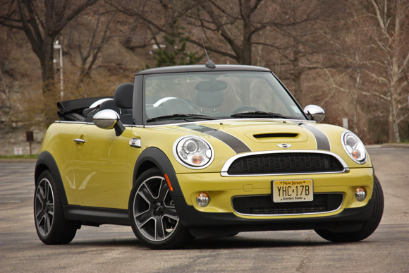 Review 2009 Mini Cooper S Convertible Adds Open Air Fun For A Price Autoblog
