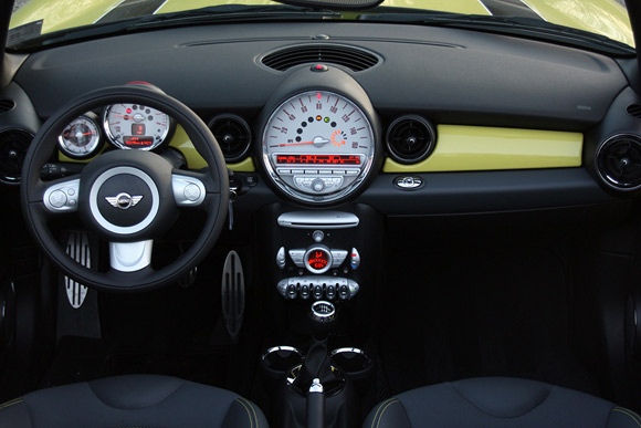 The Interior Should Be Instantly Recognizable To Fans Of First Gen Modern Mini With An Even Larger Sdometer Than Before Placed In Center