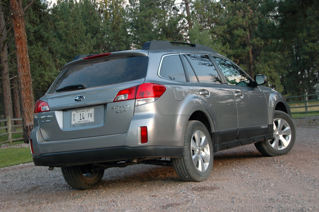 subaru recalls 2010 2011 legacy outback for windshield wiper issue autoblog. Black Bedroom Furniture Sets. Home Design Ideas