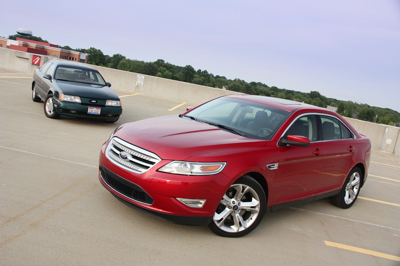 review 2010 ford taurus sho photo gallery autoblog. Black Bedroom Furniture Sets. Home Design Ideas