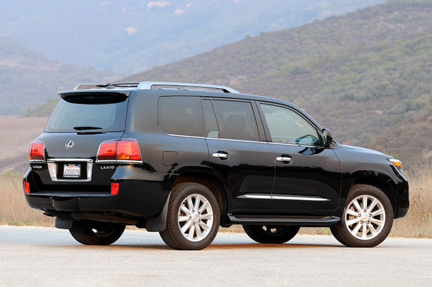 Review: 2009 Lexus LX570 is three tons of luxury with a